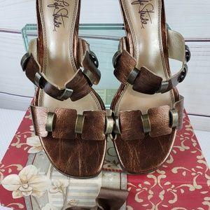 Life Stride Bronze Metallic Sandal Size 8